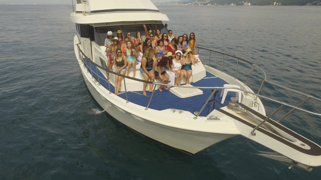 75 ft. Hatteras - Power Yacht - Up to 40 People - Celebrations