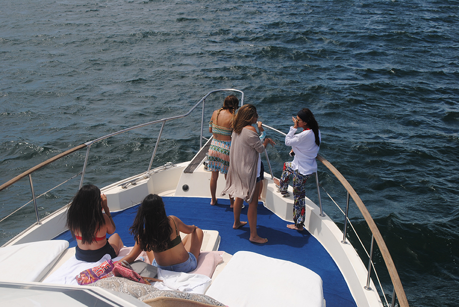 75 ft. Hatteras - Power Yacht - Up to 40 People - Bow 5
