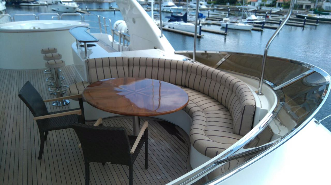 120 ft. Luxury Motor Yacht – Up to 20 People