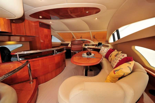 62-FT-Azimut-Luxury-Power-Yacht-Up-to-25-People-Salon-Dinette-Kitchen