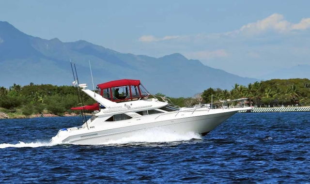 46-FT-Sea-Ray-Power-Yacht-Up-to-15-People2