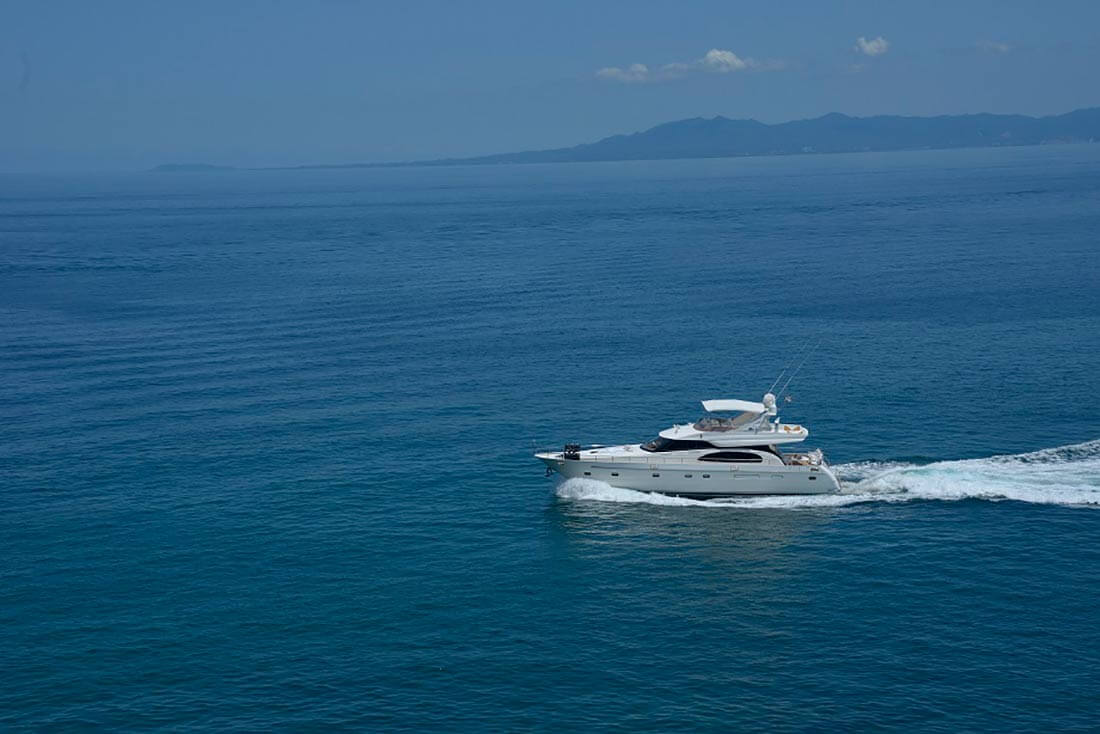 65-FT-Vitech-Power-Yacht-Up-to-25-People-Bay-Getaway