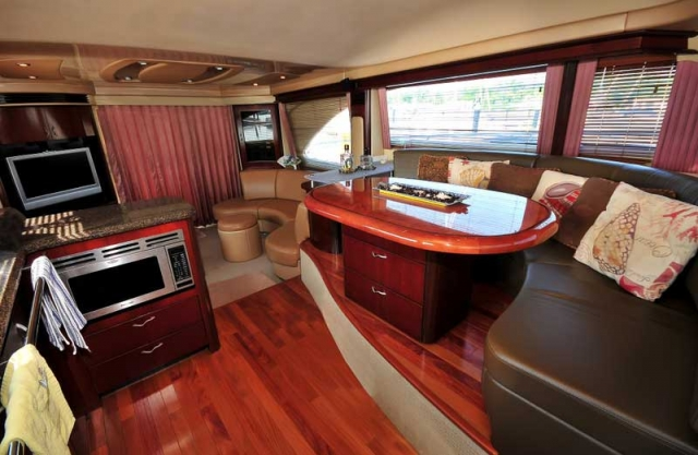 60 FT Sea Ray - Power Yacht - Up to 18 people4
