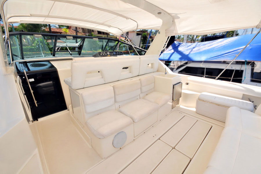42 FT. Tiara - Power-Yacht - Up to 12 People - Sundeck