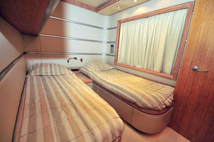 Azimut 98 FT Leonardo - Guest Stateroom with bunks