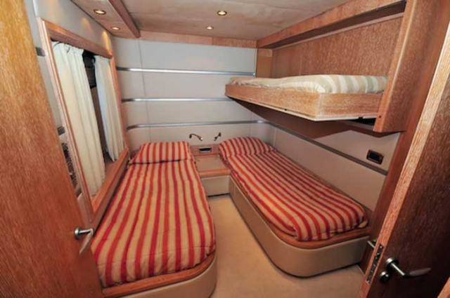Azimut 98 FT Leonardo - Twin Guest Stateroom with bunks