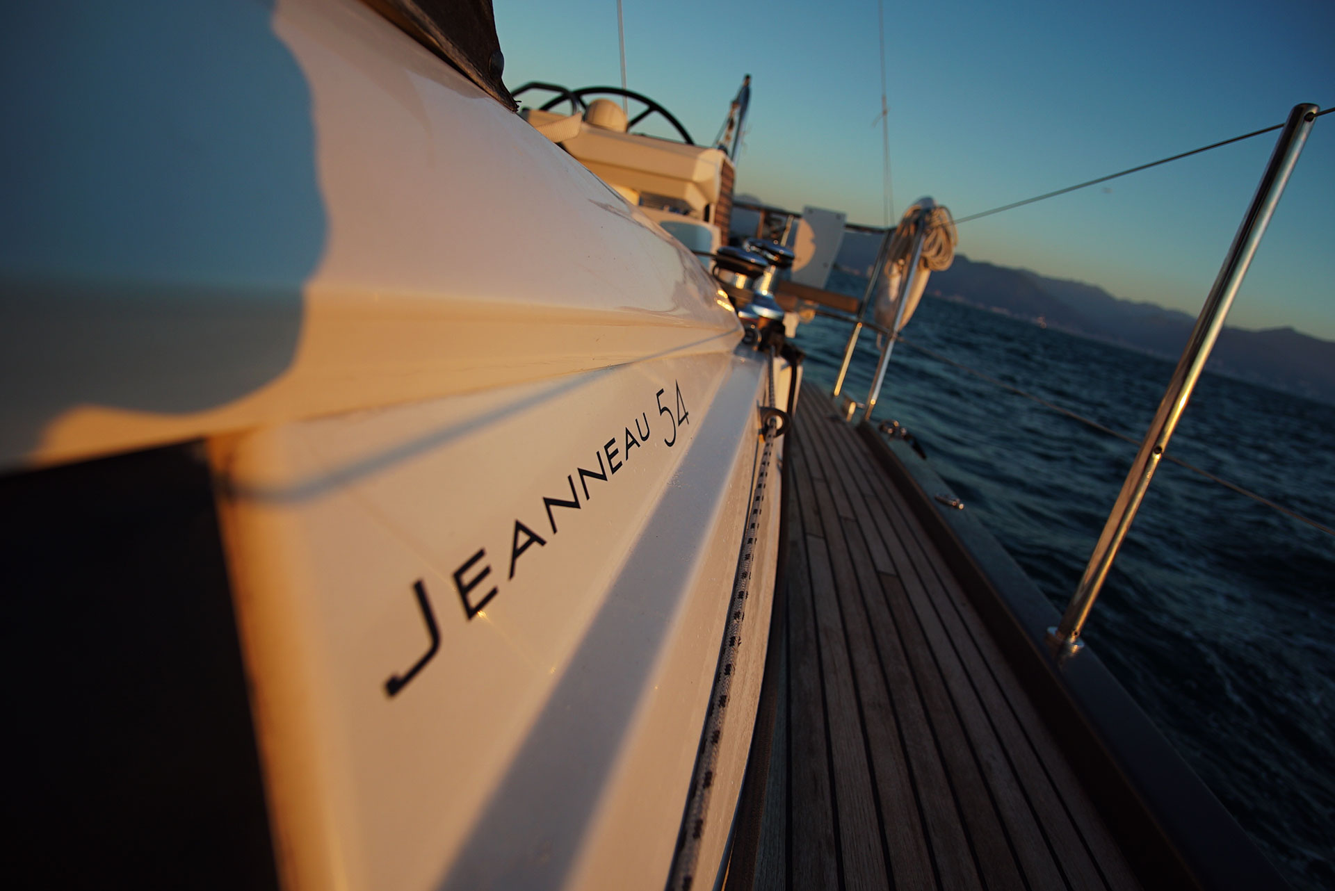 54ft-Jeanneau-sailing-yacht-J54Badge