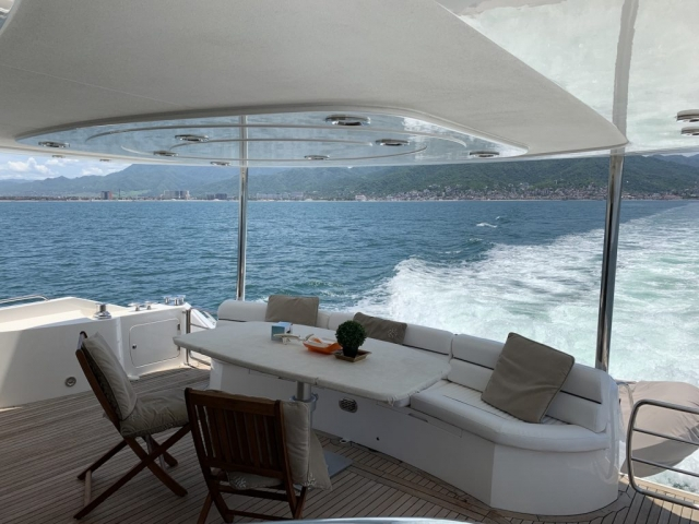 Sunseeker 76 pies  - Yate de lujo - Aft - Cockpit Seat and Dining